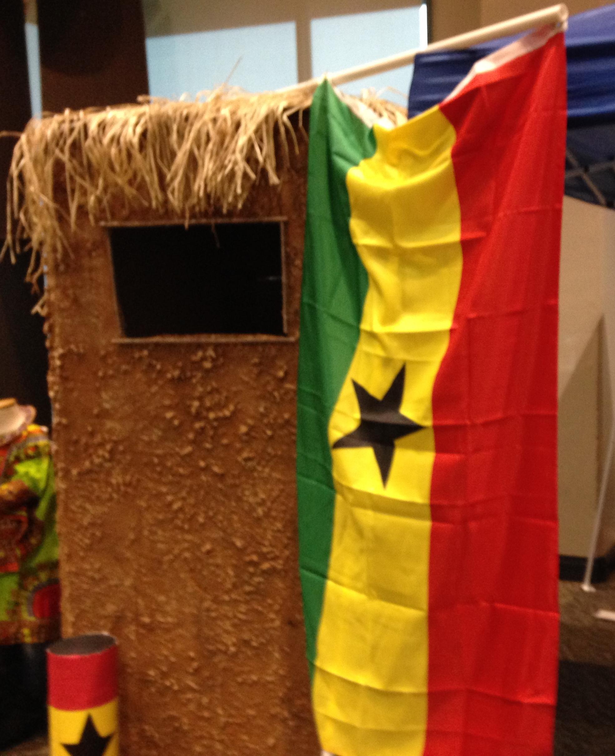 Ghana, Thinking Day, Mud hut, paper mache