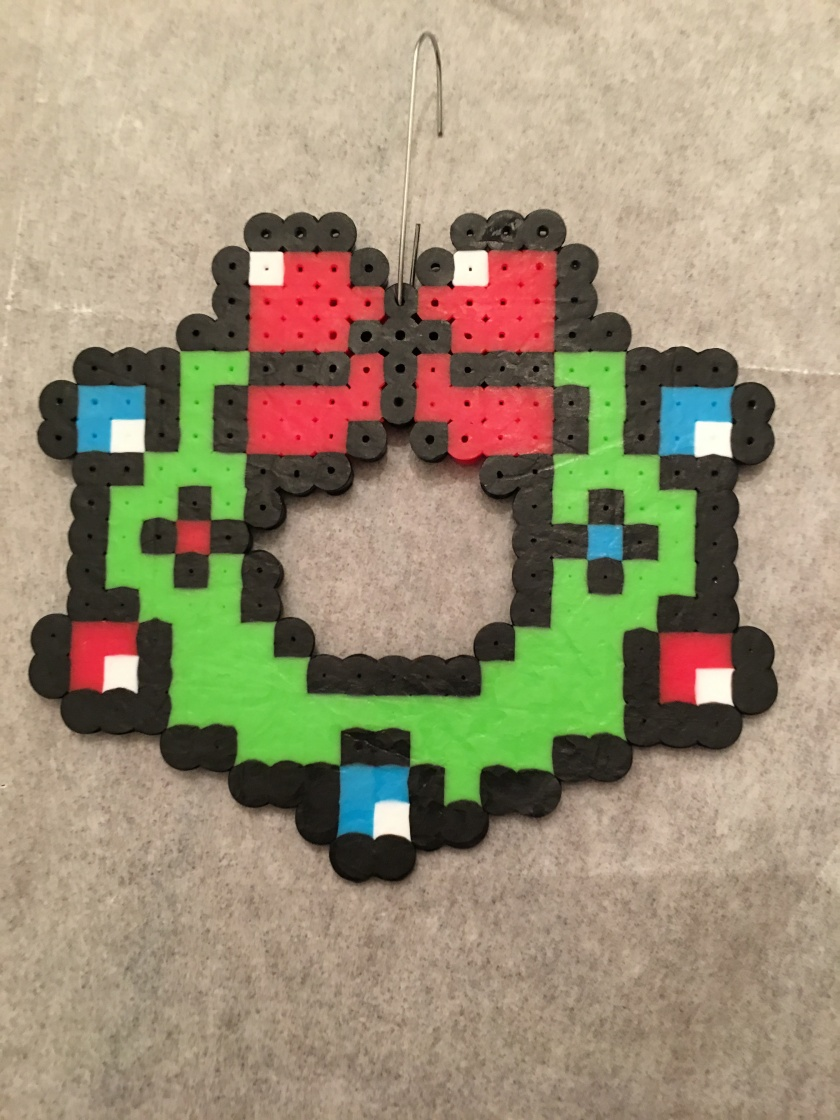 Christmas ornament wreath Perler beads